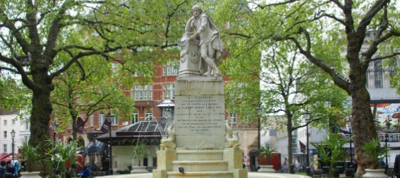 Shakespear Statue at Leicester Square in Leicester