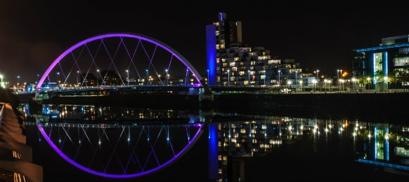 clyde arc bridge in glasgow at night
