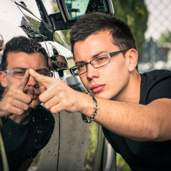 inspecting a car rental
