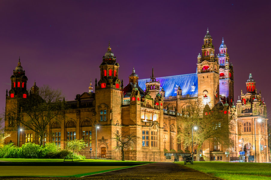 exterior of kelvingrove art gallery and museum in glasgow