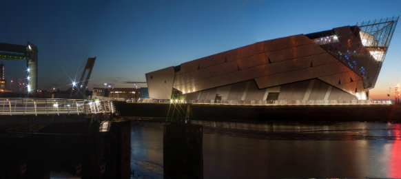kingston upon hull tidal barrier and the deep