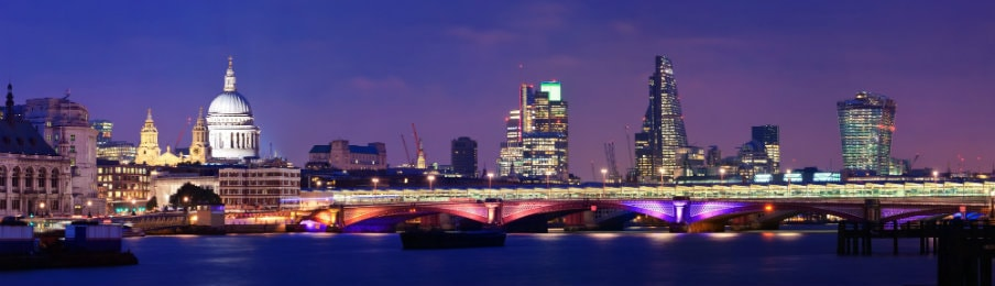 London, England skyline at night
